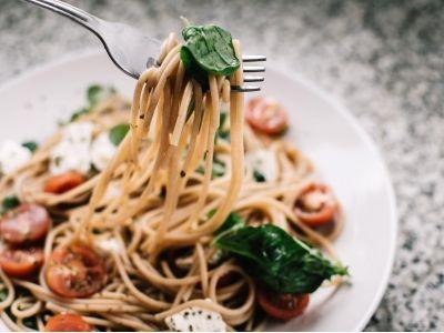 新股公告 | 新加坡美食控股(08496)公开发售获超购15.4倍 5月18日上市