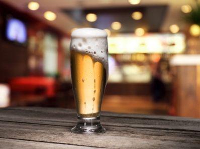 """麦格理:上调青岛啤酒(00168)目标价至88.5港元,维持""""跑赢大市""""评级"""