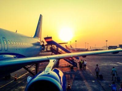 美兰空港(00357)蓄势待发 二期项目迎来首架客机