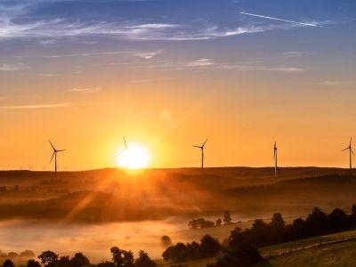 风电回暖见龙头起舞,金风科技(02208)迎来又一个春天