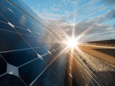 光大证券:补贴有望收回,协鑫新能源(00451)光伏电站资产价值重估