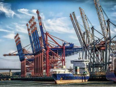 中国7月出口超预期! 以人民币计价的出口增长10.4%至1.69万亿元