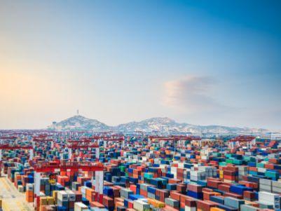 港股异动︱中远海运港口(01199)跌近9% 前9个月实现收入同比降6.5%至7.23亿美元