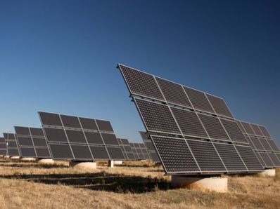 IHS:预计2021年全球新增光伏发电量将达158GW 年发电量在100-999MW的市场将达55个