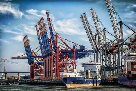 港交所:青岛港(06198)于2月11日起加入沪深港通
