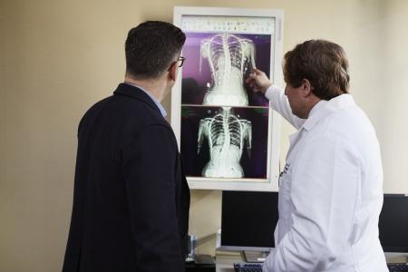独特的服务模式引领行业 平安好医生(01833)互联网医疗健康领域龙头在崛起