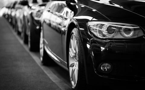 Uber(UBER.US)創始人卡蘭尼克2個月套現25億美元,年底或清空所有持股