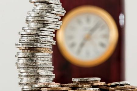 财政部:小微企业月销售额10万元以下免征增值税