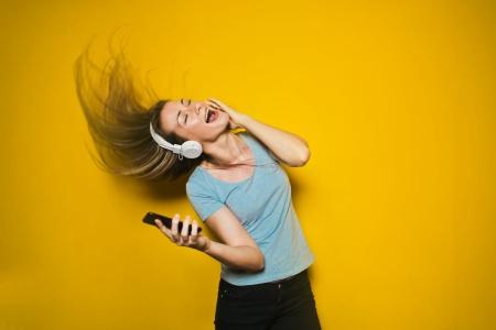 腾讯音乐(TME.US)财报电话会议实录:腾讯音乐是内容方首选合作平台