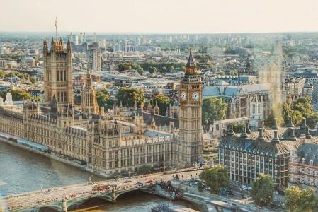 英国最快12月7日启动大规模接种辉瑞(PFE.US)新冠疫苗