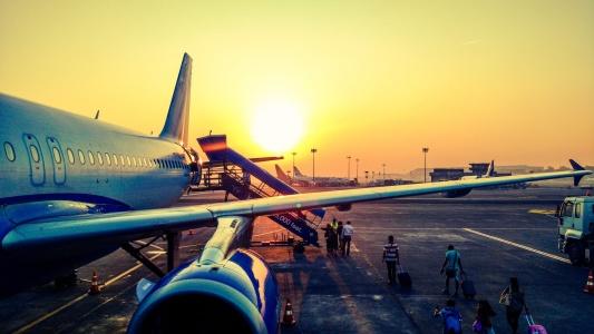 国君:首都机场(00694)上半年国际旅客占比提升 免税收入高速增长