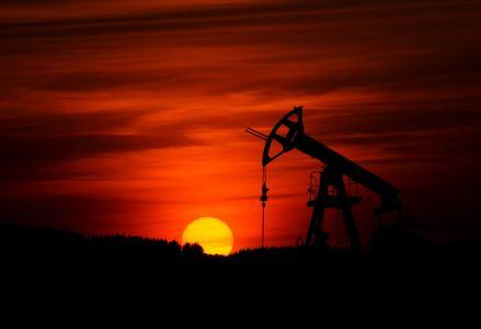 """富瑞:下调三大石油股目标价 维持""""买入""""评级"""