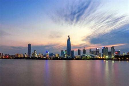 深圳2018年GDP突破2.4万亿元 总量居亚洲前五