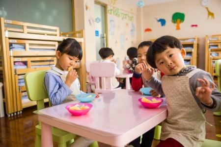 东莞发布幼儿园收费管理通知:取消民办园收费备案制度 实行市场调节价